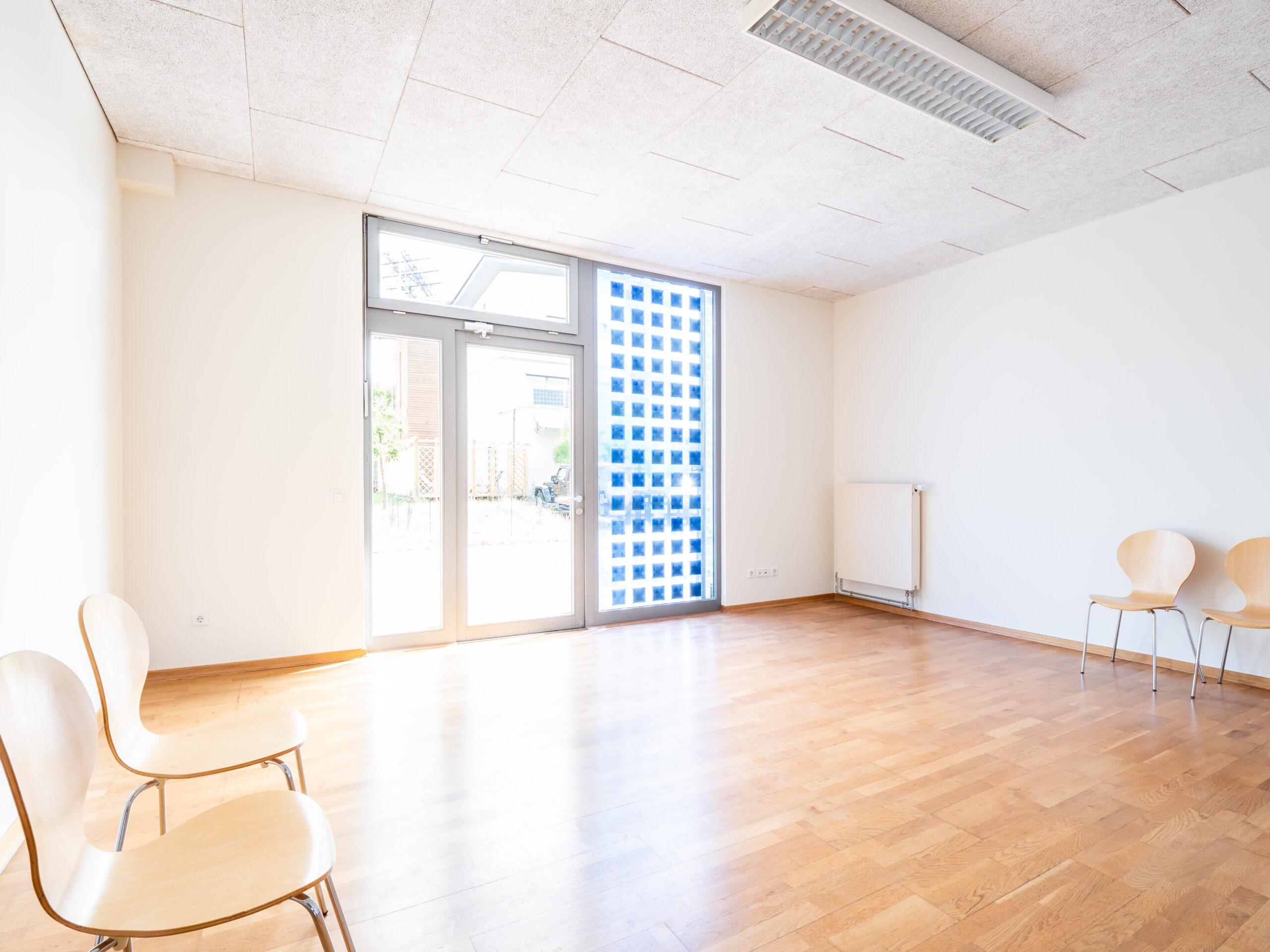 Großer und heller Büro/ Praxisraum zur Vermietung in Paderborn.
